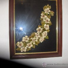 Varios objetos de Arte: CUADRO CRISTAL NEGRO Y RAMOS DE FLORES EN MIGA DE PAN. MEDIDA 68 X 49 CM.. Lote 26280711