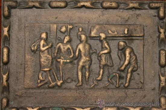 Varios objetos de Arte: ANTIGUA PLACA POSIBLEMENTE EN BRONCE CON IMÁGENES EN RELIEVE - Foto 2 - 30312805