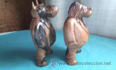 LOTE DE 2 TALLAS DE MADERA NOBLE.UN LEÓN Y UN HIPOPÓTAMO.GORDOS Y CON TRAJE. (Arte - Varios Objetos de Arte)