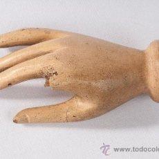 Varios objetos de Arte: MANO EN TALLA DE MADERA, DE CAPIPOTA . Lote 38289014