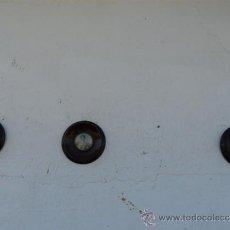 Varios objetos de Arte: 3 MINI RETRATOS REDONDOS CON MARCOS MADERA. Lote 38354985