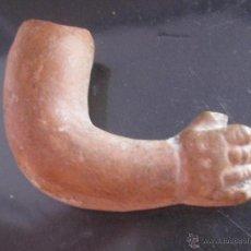 Varios objetos de Arte: BRAZO EN TERRACOTA POSIBLEMENTE EXVOTO ROMANO O IBERICO - ARQUEOLOGIA. Lote 42448097