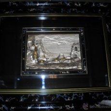 Varios objetos de Arte: CUADRO EN RELIEVE DE PUEBLECITO COSTERO CON SU CALITA Y SUS BARQUITAS DE PESCA,LAMINADO EN PLATA . Lote 46121149