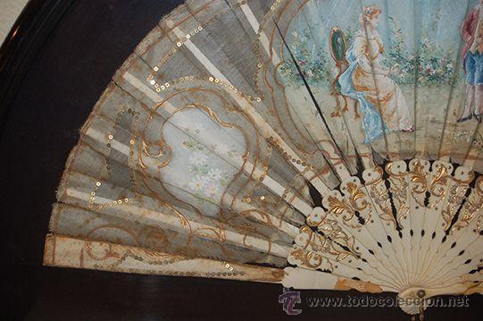 Varios objetos de Arte: Precioso Abanico Isabelino - Varillaje en Marfil y Hueso - País en Seda - Con Abaniquera - S. XIX - Foto 4 - 157318229