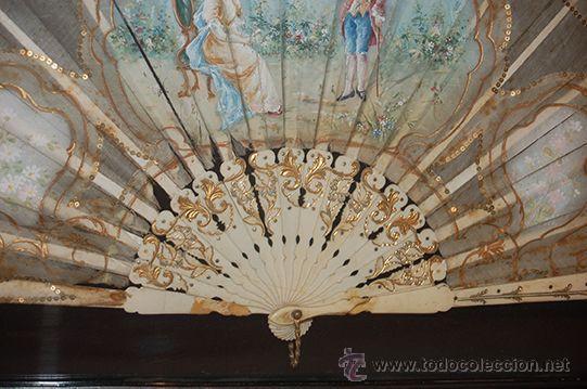 Varios objetos de Arte: Precioso Abanico Isabelino - Varillaje en Marfil y Hueso - País en Seda - Con Abaniquera - S. XIX - Foto 5 - 157318229