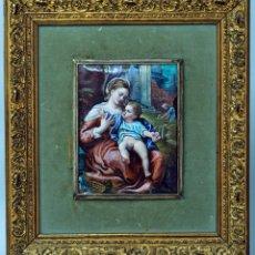 Varios objetos de Arte: ESMALTE MADONA CON NIÑO SIGUIENDO MODELOS ESCUELA ITALIANA S XVI MARCO MADERA DORADA PP S XX. Lote 46737551