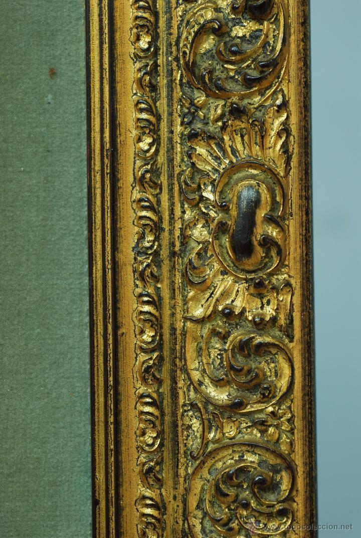 Varios objetos de Arte: Esmalte Madona con Niño siguiendo modelos Escuela Italiana S XVI marco madera dorada PP S XX - Foto 9 - 46737551