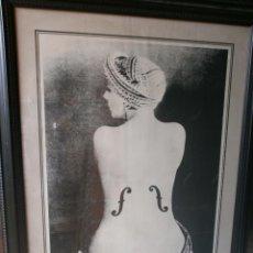 Varios objetos de Arte: MAN RAY LE VIOLIN CARTEL ENMARCADO EXPOSICIÓN SALA PABLO RUIZ PICASSO MADRID 1982 MED.110 X 80 CM.. Lote 49167945