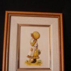 Varios objetos de Arte: BONITO CUADRO DE NIÑA CON MARCO DE MADERA 30 X 25 CM.. Lote 50318040