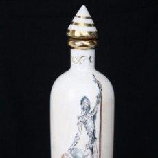 Varios objetos de Arte: BOTELLA DE CERÁMICA VIDRIADA FIRMADA DALÍ. DON QUIJOTE Y DULCINEA - PRIMERA MITAD S. XX - ALT 19 CM. Lote 52838875