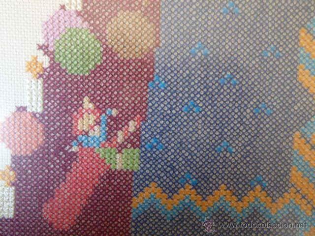Varios objetos de Arte: ESPECTACULAR CUADRO EN PUNTO DE CRUZ DE LA VIRGEN Y EL NIÑO. GRAN FORMATO. ENMARCADO CON CRISTAL. - Foto 6 - 54072142