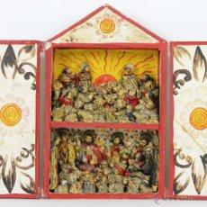 Varios objetos de Arte: RETABLO POPULAR. FIGURAS EN ESTUCO POLICROMADO. CAJA EN MADERA. SIGLO XX.. Lote 54248166