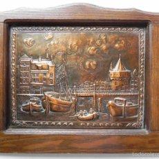 Varios objetos de Arte: ** PRECIOSO CUADRO EN COBRE REPUJADO DE PUEBLO MARINERO **. Lote 56035122