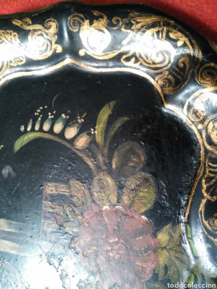 Varios objetos de Arte: IMPRESIONANTE Y PRECIOSA BANDEJA DEL SIGLO XIX PINTADA A MANO EN METAL ISABELINA Y CON SU COLGADOR - Foto 2 - 73599065