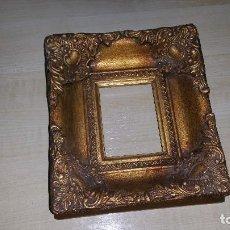 Varios objetos de Arte: MARCO DE MADERA PINTADO DE ORO. Lote 79812193