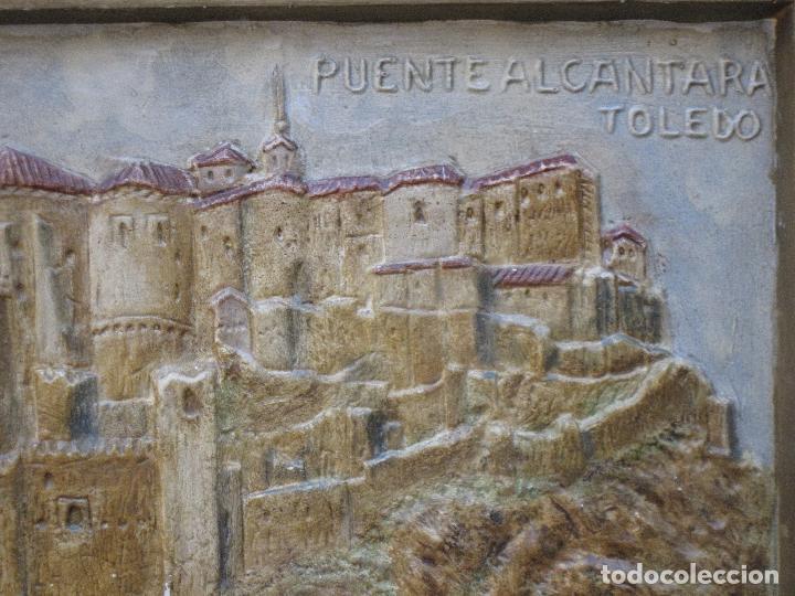 Varios objetos de Arte: CUADRO ANTIGUO DE TOLEDO REALIZADO EN ESTUCO. PIEZA UNICA. - Foto 4 - 79925985