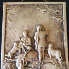 Varios objetos de Arte: ANTIGUO CUADRO EN BARRO, MOTIVO CAZA. Lote 79959931