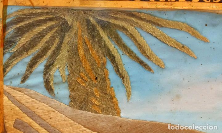 Varios objetos de Arte: COMPOSICIÓN BORDADA Y PINTADA SOBRE SEDA DEL SIGLO XIX. - Foto 10 - 91430335