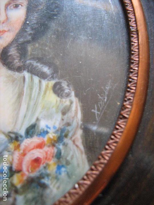 Varios objetos de Arte: CUADRO CON MINIATURA PINTADA A MANO SOBRE LAMINA DE MARFIL ESTA FIRMADA - SIGLO XX - Foto 4 - 94326238