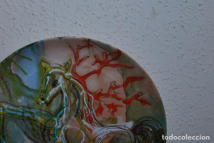 Varios objetos de Arte: PLATO DE PORCELANA - SALVADOR DALÍ - IBERCALCO - 1982 - Foto 2 - 94344026