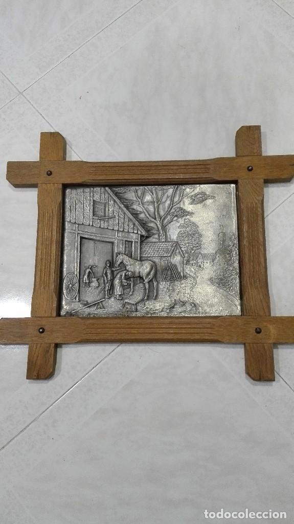 Varios objetos de Arte: Cuadro de metal y roble muy antiguo - Foto 2 - 94794731