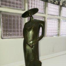 Varios objetos de Arte: FIGURA DE MUJER CON GUITARRA. Lote 96379106