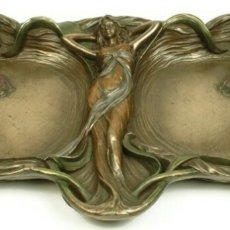 Varios objetos de Arte: BANDEJA CENTRO DE MESA GRANDES DIMENSIONES EN RESINA VERONESE BRONCE ART NOUVEAU.PRECIOSA!!. Lote 97478479