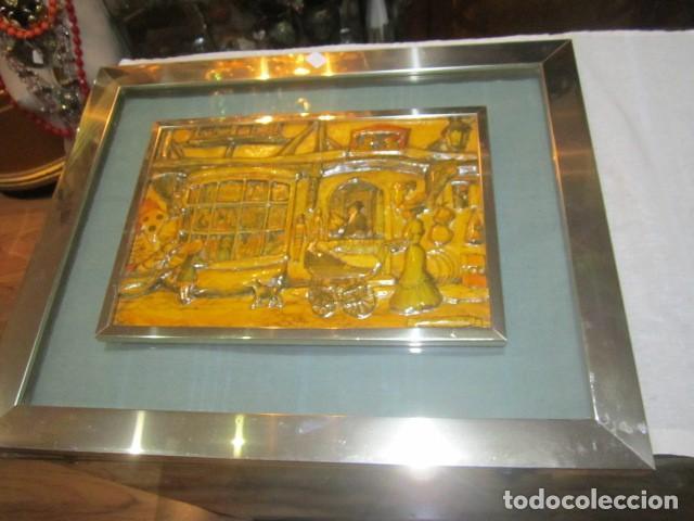 CUADRO CON RELIEVE, ANTON PIECK, CON MARCO DE CRISTAL Y METAL. (Arte - Varios Objetos de Arte)