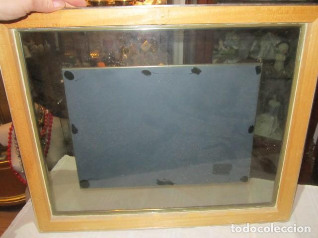 Varios objetos de Arte: Cuadro con relieve, Anton Pieck, con marco de cristal y metal. - Foto 7 - 107645531