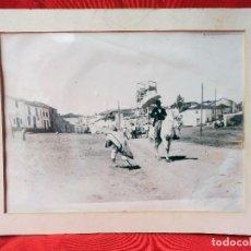 Varios objetos de Arte: FOTO REPRODUCCIÓN, ISLA DEL HIERRO (CANARIAS), SEÑORITO A CABALLO. AÑO 1890. TAMAÑO 30X40CM. Lote 118251283