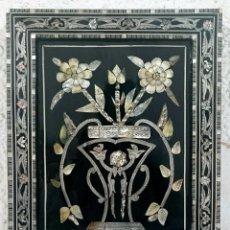 Varios objetos de Arte: ANTIGUO CUADRO DE NACAR LACADO EN NEGRO. ISABELINO, DECORACIÓN VEGETAL. SIGLO XIX. 46X36 CM. Lote 121324543