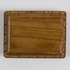 Varios objetos de Arte: CERILLERO ARTESANAL EN MADERA TALLADA. Lote 128353851