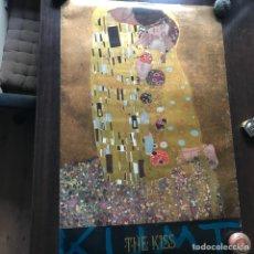 Varios objetos de Arte: THE KISS. KLIMT. 89 X 59 CM. Lote 132829342