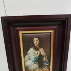 Varios objetos de Arte: CUADRO DAMA DE TELA 19X24.5. Lote 142832317