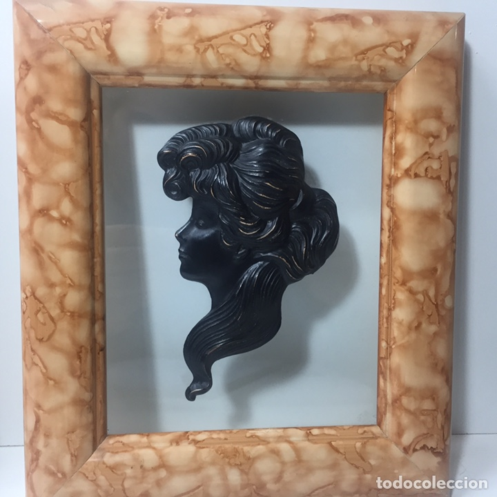 Varios objetos de Arte: Cuadros con silueta de mujer en resina imitando bronce 22x19cm - Foto 4 - 145659330