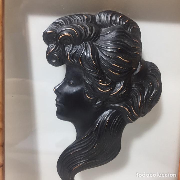 Varios objetos de Arte: Cuadros con silueta de mujer en resina imitando bronce 22x19cm - Foto 5 - 145659330