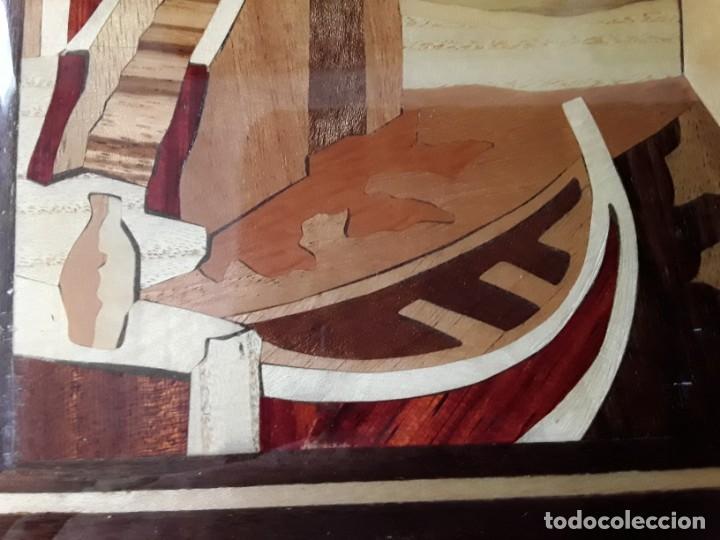 Varios objetos de Arte: Cuadro de marquetería o taracea de madera 22 cm x 17 cm. Terminación lacada - Foto 4 - 146859694
