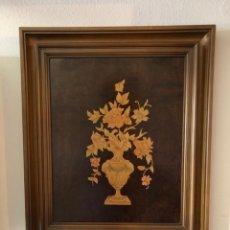 Varios objetos de Arte: CUADRO DE MADERA DE MARQUETERÍA CON FORMA DE JARRÓN DE FLORES 70CMX58,5CM. Lote 147726494