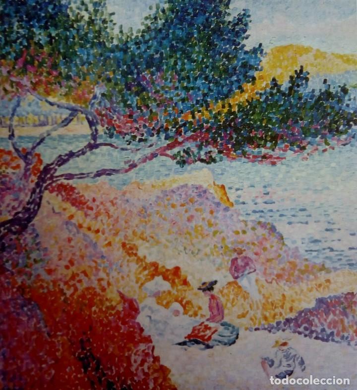 LÁMINA H. E. CROSS LA PLAYA DE SANTA CLARA MUSÉE DE L'ANNONCIADE ST TROPEZ *LA PLAGE DE SAINT-CLAIRE (Arte - Varios Objetos de Arte)