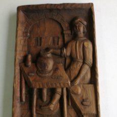 Varios objetos de Arte: CUADRO TALLADO DE MADERA ALFARERO, ANTIGUO.ESCULPIDO A MANO.. Lote 153479670