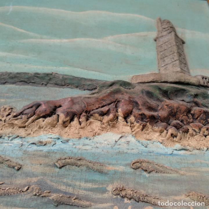 Varios objetos de Arte: Cuadro enmarcado Torre de Hércules La Coruña material barro o similar firma v. para delante 64x46 cm - Foto 3 - 155489058