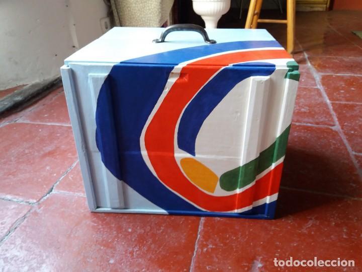 Varios objetos de Arte: Antigua caja para dulces policromada - Foto 2 - 157767250