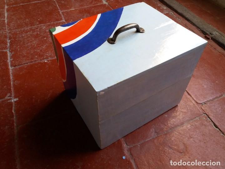 Varios objetos de Arte: Antigua caja para dulces policromada - Foto 3 - 157767250