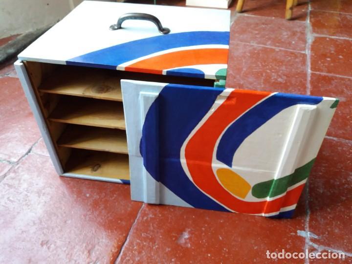 Varios objetos de Arte: Antigua caja para dulces policromada - Foto 4 - 157767250