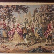 Varios objetos de Arte: ENORME TAPIZ BORDADO Y ENMARCADO REPRESENTANDO ESCENA IDÍLICA. MUY BUEN ESTADO.. Lote 158789670