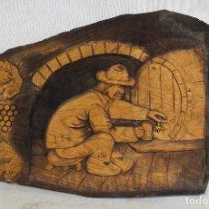 Varios objetos de Arte: CUADRO TALLADO EN MADERA - BODEGUERO TONEL VINO. Lote 159613638