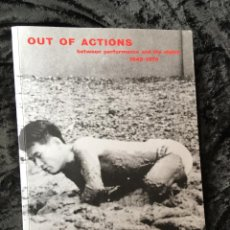 Varios objetos de Arte: OUT OF ACTIONS: BETWEEN PERFORMANCE AND THE OBJECT - 1949-1979 - . Lote 160266170