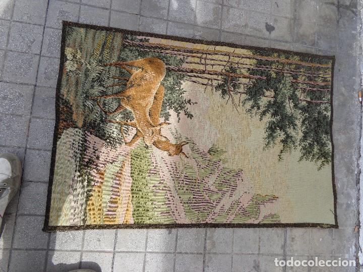 Varios objetos de Arte: MUY ANTIGUO FINALES 1800, BONITO E IMPORTANTE TAPIZ DE LANA, COMPLETO Y EN BUEN ESTADO - Foto 2 - 161093594