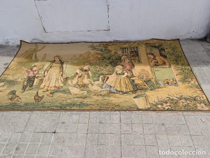 MUY ANTIGUO FINALES 1800, BONITO E IMPORTANTE TAPIZ DE LANA, COMPLETO Y EN BUEN ESTADO (Arte - Varios Objetos de Arte)