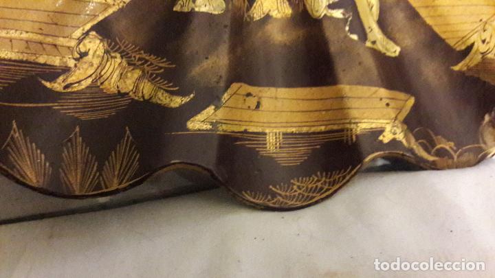 Varios objetos de Arte: Concha madera lacada personajes chinos arquiteturismo pan oro S XIX - Foto 5 - 163040166
